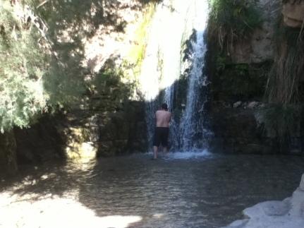 Bad im Wasserfall