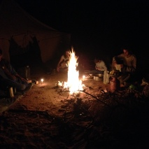 Marokko2016-LagerfeuerAmZelt
